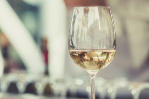 glad of white wine