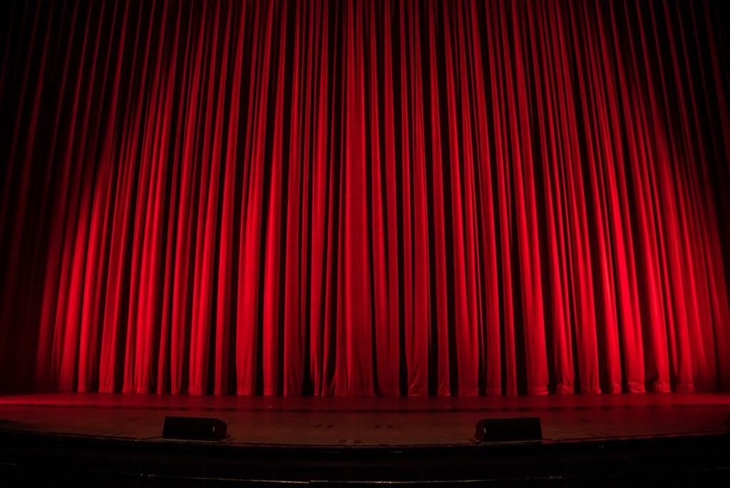 red curtain featured size