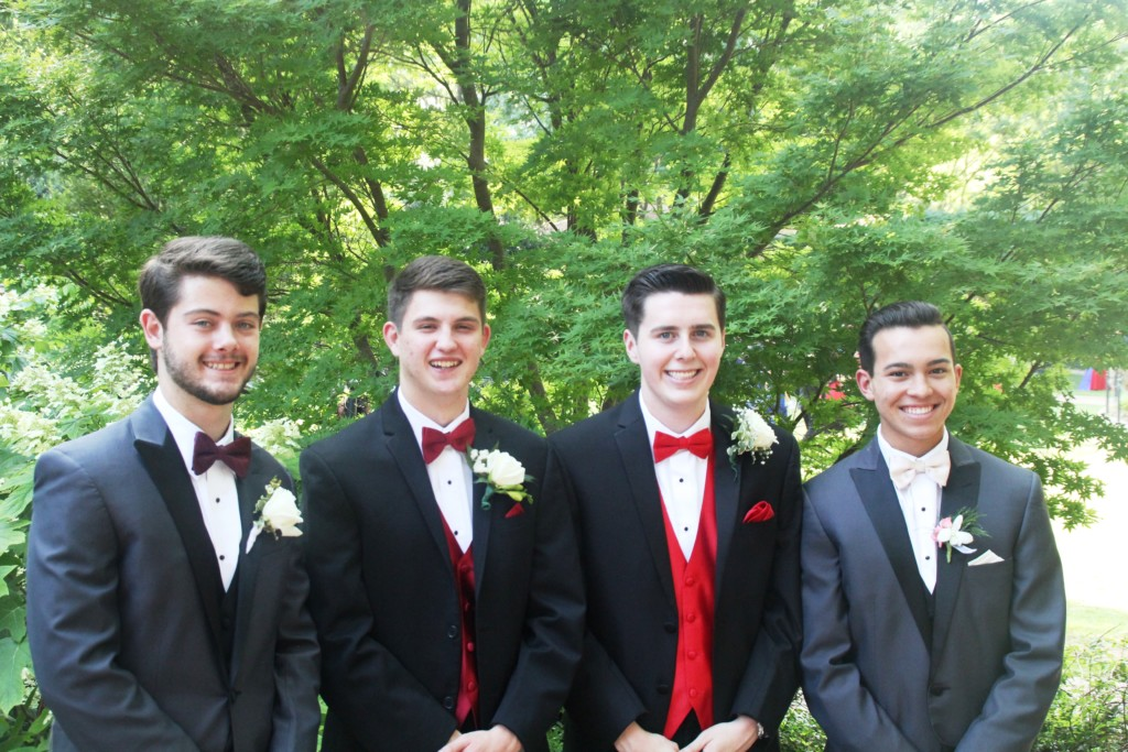 prom group shot
