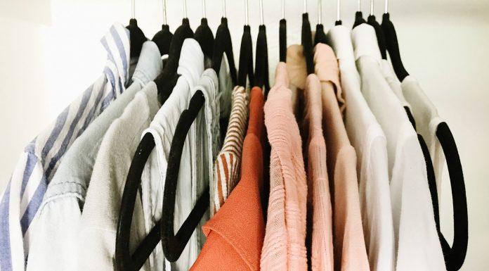 Use three ways to simplify your summer wardrobe