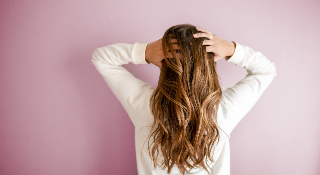 There are products that give volume to women with long hair.