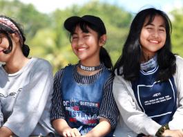 Teenagers give advice on how to raise teens.