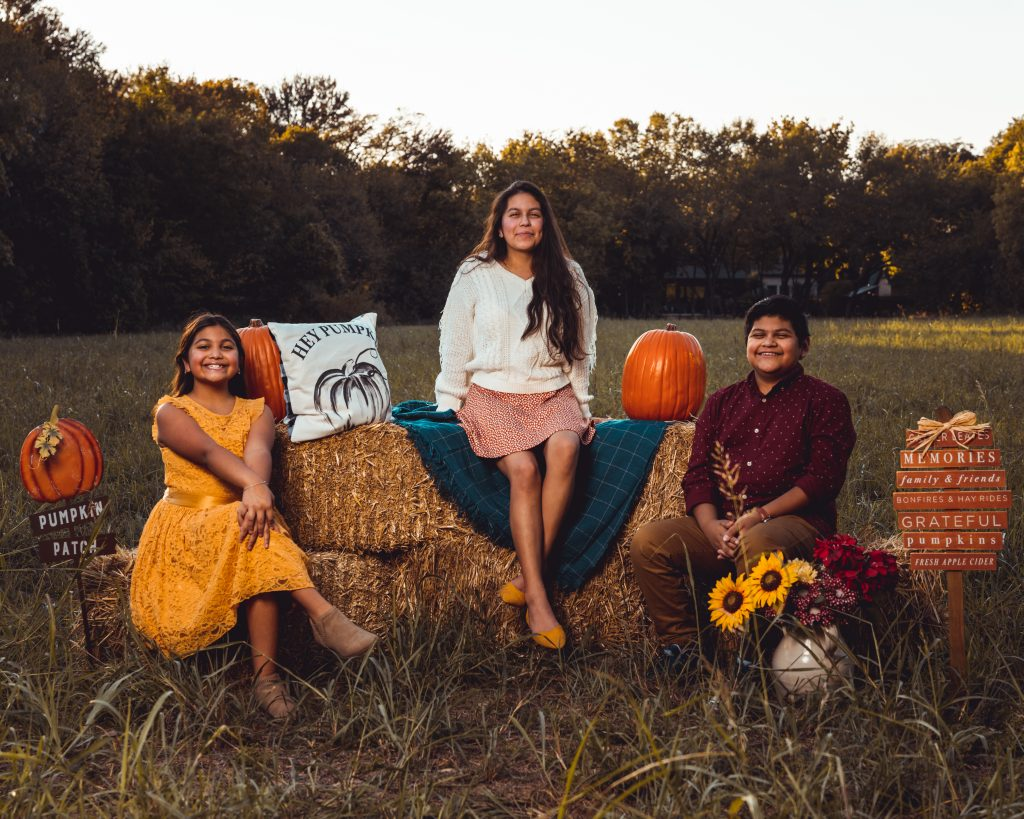 A Fort Worth mom is thankful and has gratitude for her family this Thanksgiving.