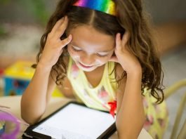 Virtual school is a good option for non-traditional families.