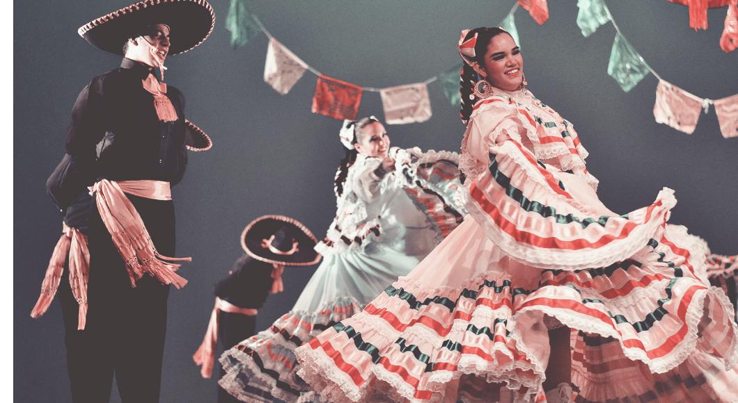 dancing baile folklorica