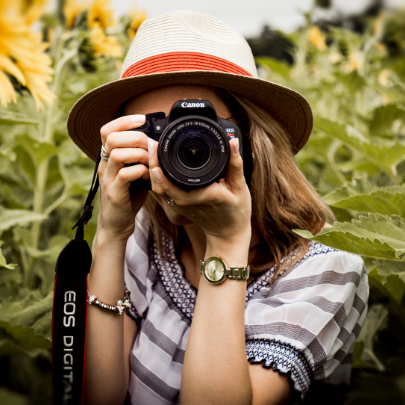 Get great family photos with FWM Guide to Photographers