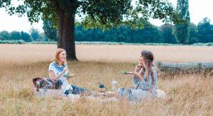 women picnic field