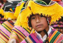 traditional hispanic clothing
